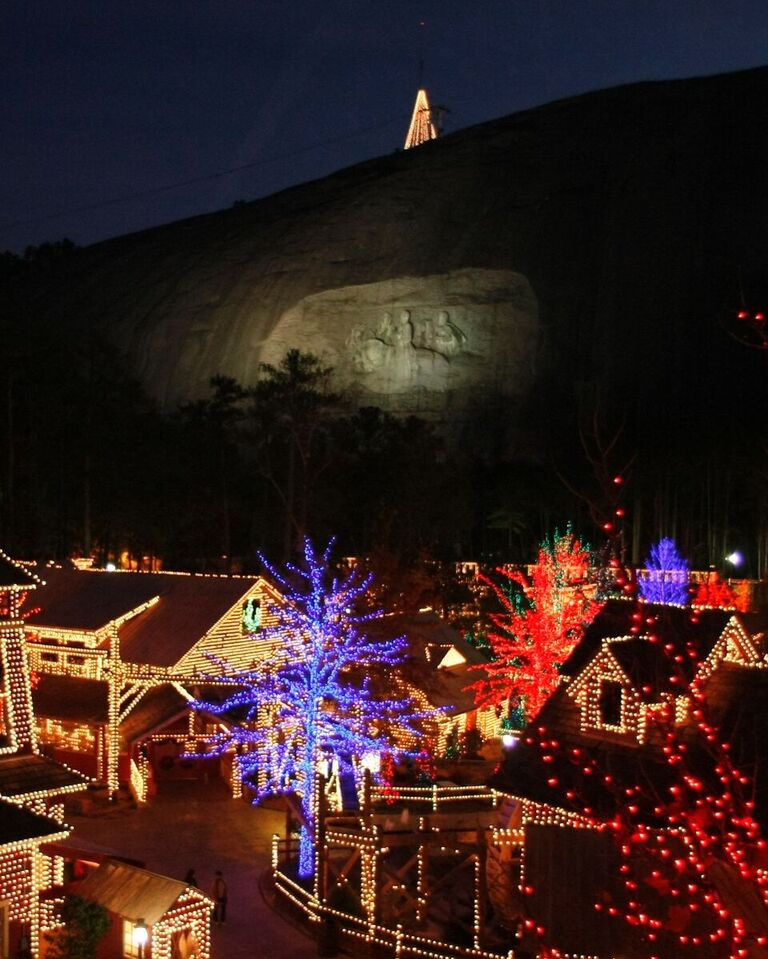 Top 5 Places To See Christmas Lights In Atlanta